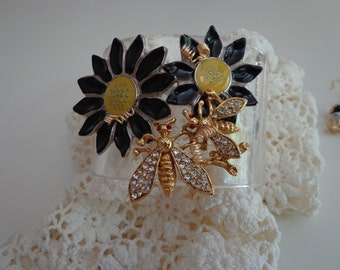 Vintage Bracelet with Flowers and Bees