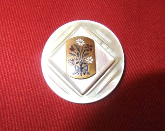Grandmother's Buttons Layered Mother of Pearl Button Brooch
