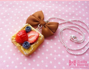 Berry Cake necklace by Dolly House