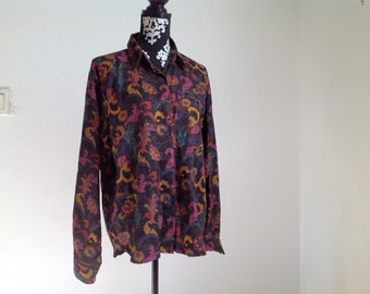 Black, Purple and Red Paisley Vintage Button-down Women's Shirt - Medium