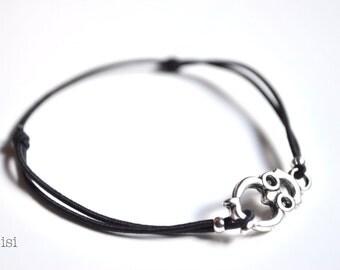 Elastic cord bracelet owl