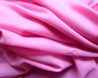 Rose pink fabric. Pure cotton. Probably a Liberty of London fabric. Fat Quarter 18'' x 26'' ( 45,5 x 66 cm). Vintage but as new.