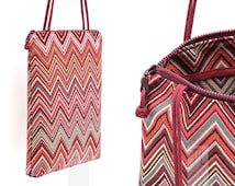 Tote bag in burgundy chevron pattern Missoni-like with bordeaux Paracord shoulder strap, handmade in Italy.