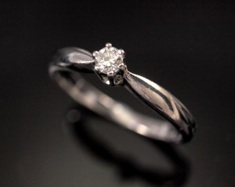 White Gold Engagement Ring, Solitaire from the 1970s. Size 4