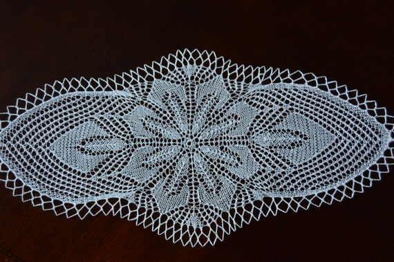23 oval handmade lace knit table runner / by BloomingNeedles