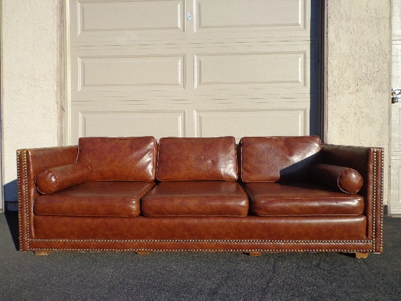 vintage chesterfield faux leather sofa couch seating loveseat. Black Bedroom Furniture Sets. Home Design Ideas