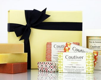 Gift box with a candle and three soaps of your choice