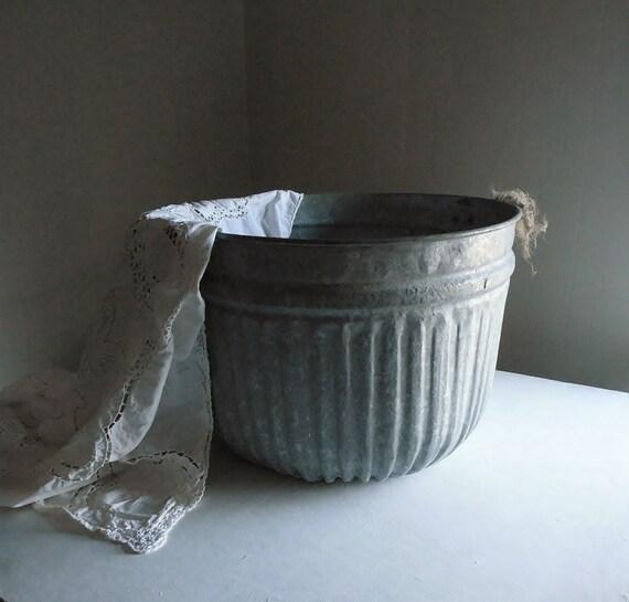 Xl fluted metal tub or grain bucket vintage garden for Old metal buckets