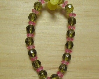 One Size Fits All Green Pink 8mm Polish Glass Beads on an Elastic Cord Bracelet