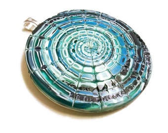 Sea water pendant