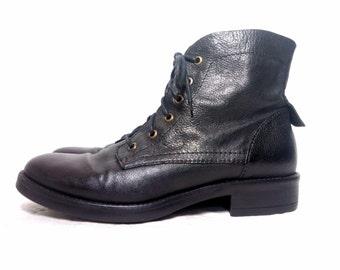 vintage soft black leather lace up low heel boots  / Size :  eu 40 / us women's 9 / uk women's 6 1/2