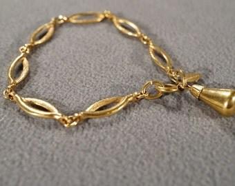 Vintage Art Deco Style Yellow Gold Tone Designer Signed Sarah Coventry Charm Link Bracelet Jewelry    K