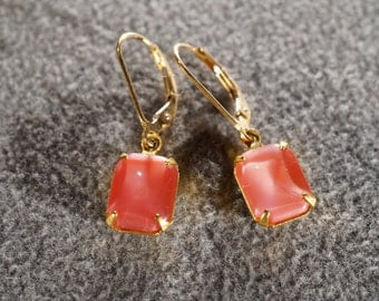 Vintage Art Deco Style Yellow Gold Tone Glass Pink Stone Lever Back Pierced Earrings Jewelry         K