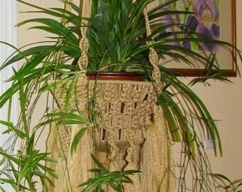 Macrame Plant hanger for indoor/outdoor