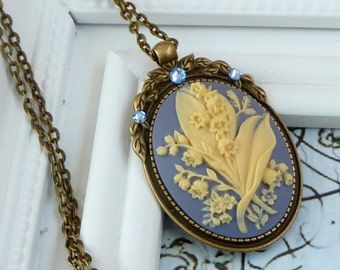Cameo necklace with lily of the valley, costume jewelry, antique necklace, vintage jewelry, cameo jewelry, baroque necklace, flower necklace