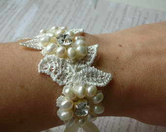 Naomi Bracelet Cuff - Cream Freshwater Pearls and Lace