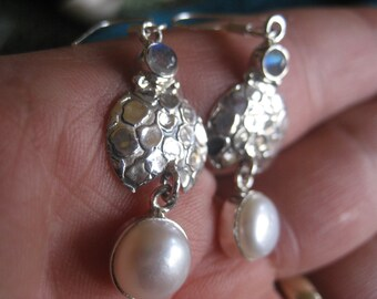 VINTAGE: Rainbow Moonstone Pearl 925 Sterling Silver Dangle Earrings, Moonstone Earrings, White Pearl Earrings, Silver DANGLE Earrings,
