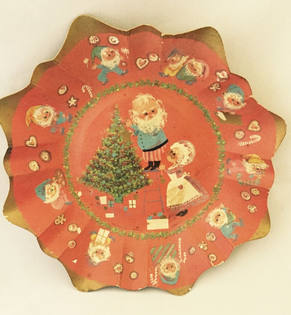Vintage Cardboard and Plastic Cookie Plates
