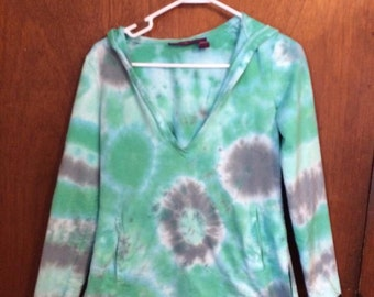 REDUCED! Women's small long sleeved tie dye v-neck hoodie. Multi patterned.