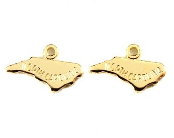 2x Gold Plated Engraved North Carolina State Charms - M114-NC