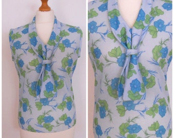 60s 70s Blue and Green Floral Sleeveless Blouse Tank Top Shell - M L