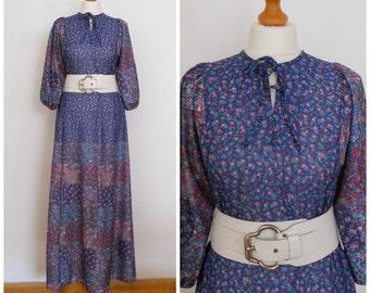 1970 70s Maxi Dress in Blue Ditzy Floral - Floor Length Boho Festival Hippie Prairie Dress S M
