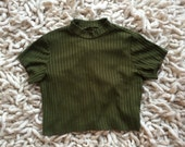 90s // Green Ribbed Crop Shirt