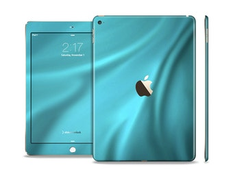 The Turquoise Highlighted Swirl Skin Set for the Apple iPad (All Models Available)