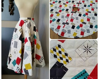 Vintage 50's 1950's Circle skirt  // Atomic Novelty print // Miss Pat // cotton // Eames // mcm // vlv // rockabilly