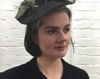 Stunning original 1940's tilt hat
