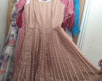 Cute polka dot Summery pleated dress