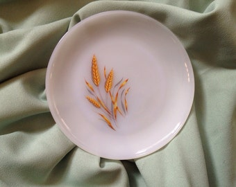 Fire-King Anchor Hocking Oven Ware Milk Glass Golden Wheat Plate