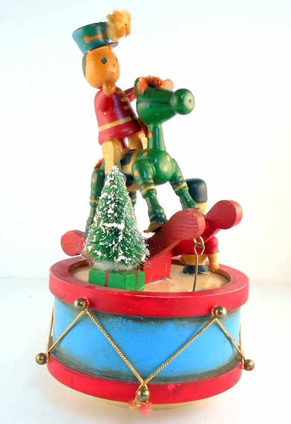 Christmas Toy Box : Vintage toy soldier christmas music box decoration