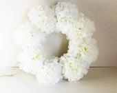 White Flowers Wreath Silk Chrysanthemum Artificial Flower Jute Wreaths Front Door Decoration Table Centerpiece Summer Spring Wedding Decor