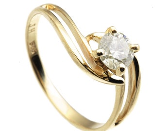 Diamond ring 0.30ct-Diamond Engagement Ring-Unique Engagement Ring-Yellow Diamond Gold Ring-Solitaire ring-Stackable ring-Promise ring