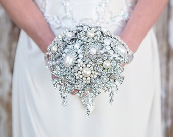 Deposit for a Stunning Diamante/Crystal Brooch Bouquet with Droplets