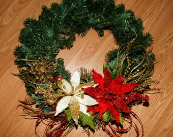 ON SALE! Christmas in July Sale! Red, White and Gold Christmas Wreath