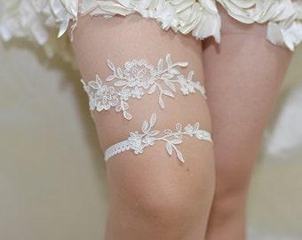 white bridal garter, white lace garter, wedding garter, bride garter,, vintage garter,