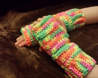 Retro - chic arm warmers for everyone!
