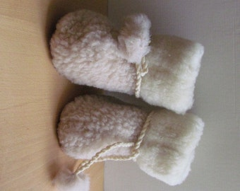 SuPeR SaLe! Baby slippers Sheep wool baby boots Gift from Ukraine Only 1 pair size US 7.5-8 (14-15cm)