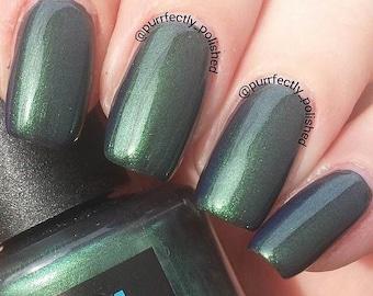 Green nail polish, nail polish, Hancuffed