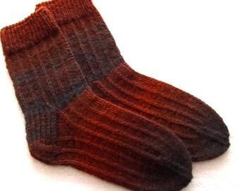Hand knitted mens 100%  wool socks. SizeEU-41-42  US-8-9