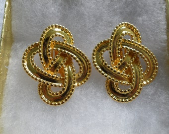 Gold Knot Earrings Goldtone Love Knot Earrings Large Gold Tone Earrings Clip On Big 80s Earrings Gold Statement Jewelry Gift for Mom