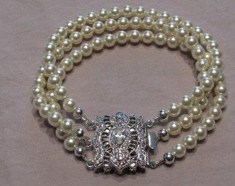 Ivory Swarovski Pearl Bracelet with Vintage style clasp/ Handmade/ Hand Crafted/ Bride/ Bridal