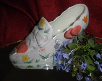 Shoe Flower Holder made of Porcelain by WCL Hand Painted