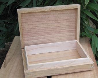 "Unfinised Cedar Box with Liner 8 1/4"" x 5 1/2"" (uf20321B)"