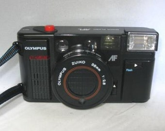 Vintage Olympus Quickflash AFL 35 mm Camera with Zuiko 38 mm f/2.8 Needs Battery Replacement