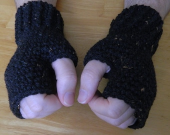 Men's Fingerless Mittens in Black with Brown Fleck's