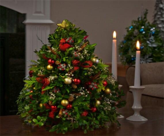 Items Similar To Red Cardinal Tabletop Boxwood Christmas