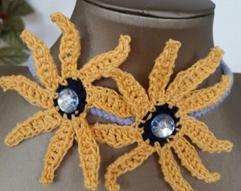 """Collar """"Daisy"""" of cotton azur with flower's yellow"""